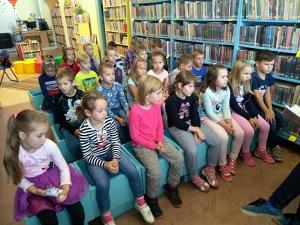 Psíkovia z I.D v knižnici